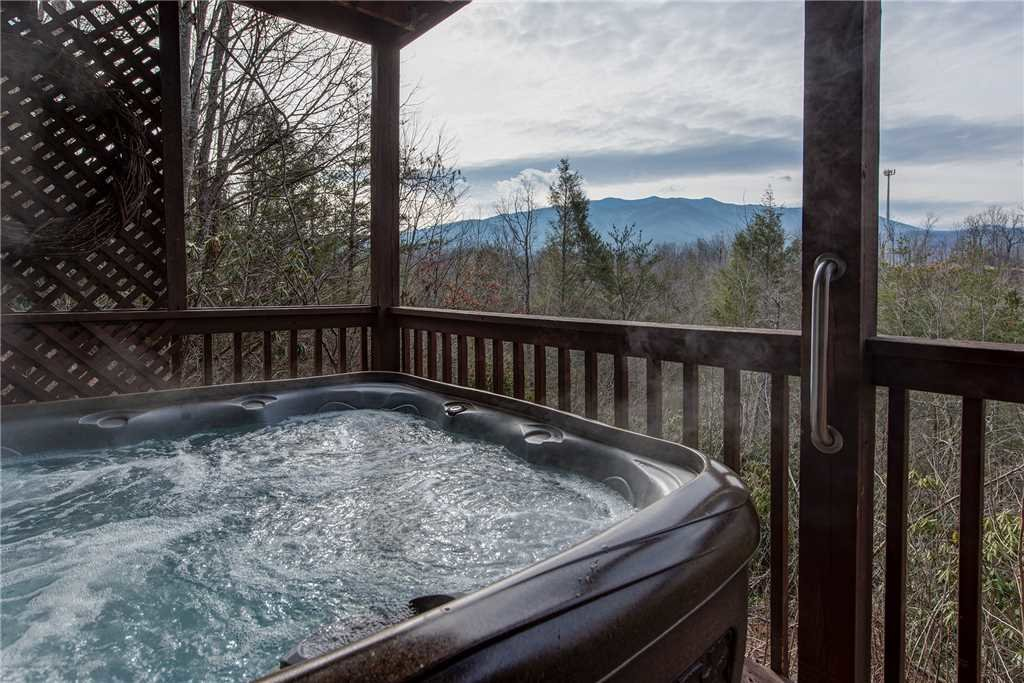 Photo of a Gatlinburg Cabin named Annie's Smoky View - This is the second photo in the set.