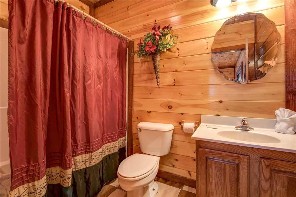 Photo of a Gatlinburg Cabin named A New Beginning - This is the fifteenth photo in the set.