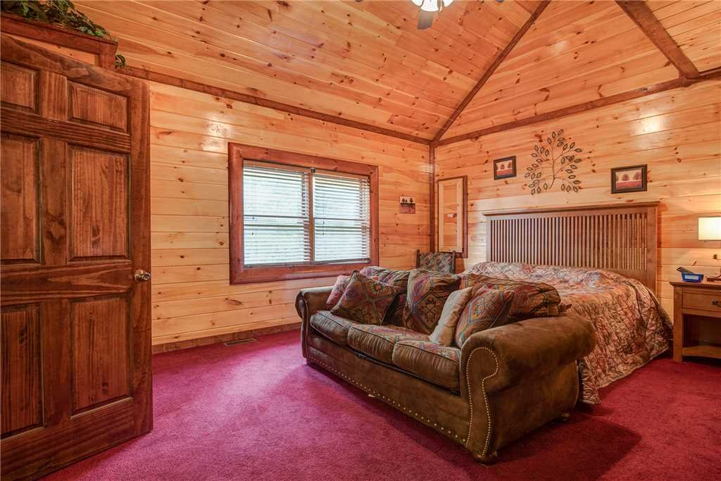 Photo of a Gatlinburg Cabin named A New Beginning - This is the sixteenth photo in the set.