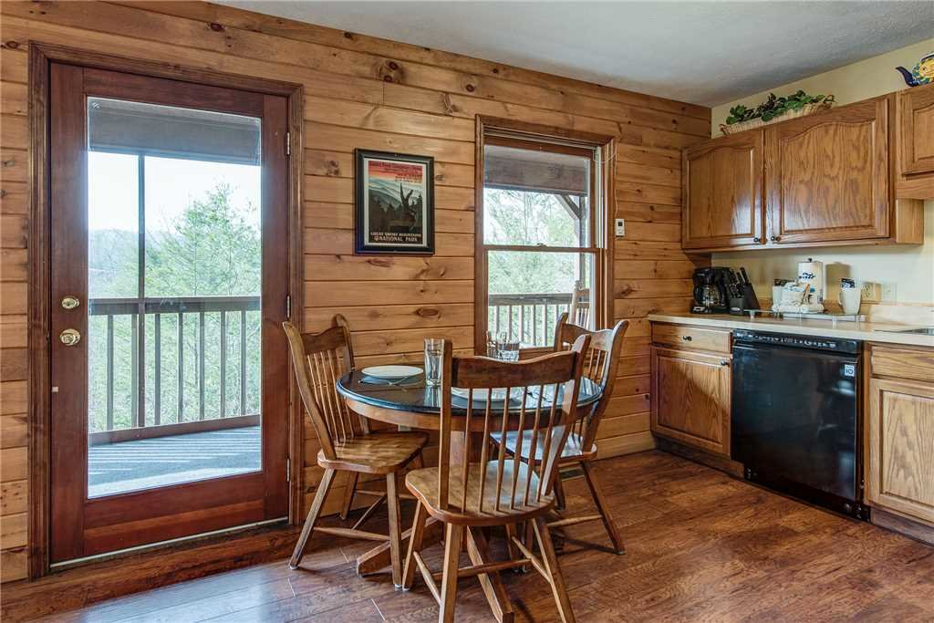 Photo of a Gatlinburg Cabin named Annie's Smoky View - This is the third photo in the set.