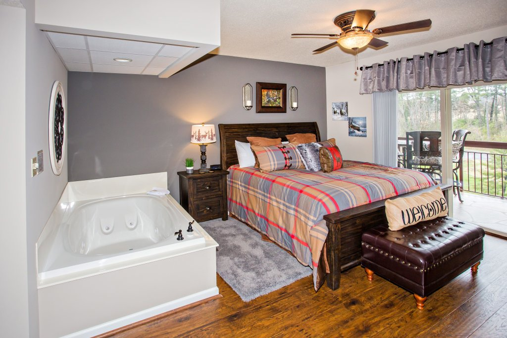 Photo of a Pigeon Forge Condo named Cedar Lodge 401 - This is the fifth photo in the set.