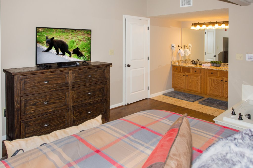 Photo of a Pigeon Forge Condo named Cedar Lodge 401 - This is the sixth photo in the set.