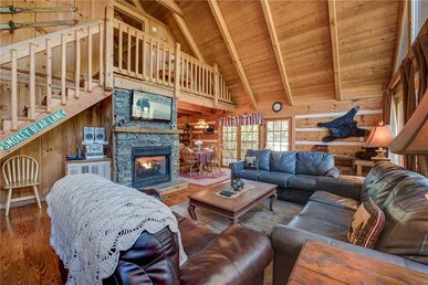 Bear Cave Haus,  2 Bedrooms, Fireplace, Hot Tub, Pool Table,  Sleeps 8