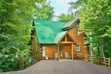 Secluded 1 bedroom Log Cabin Sky Harbor Resort Pigeon Forge Gatlinburg TN