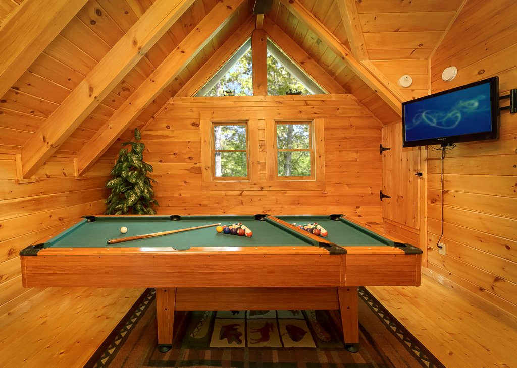 Photo of a Gatlinburg Cabin named The Treehouse #1708 - This is the fourteenth photo in the set.