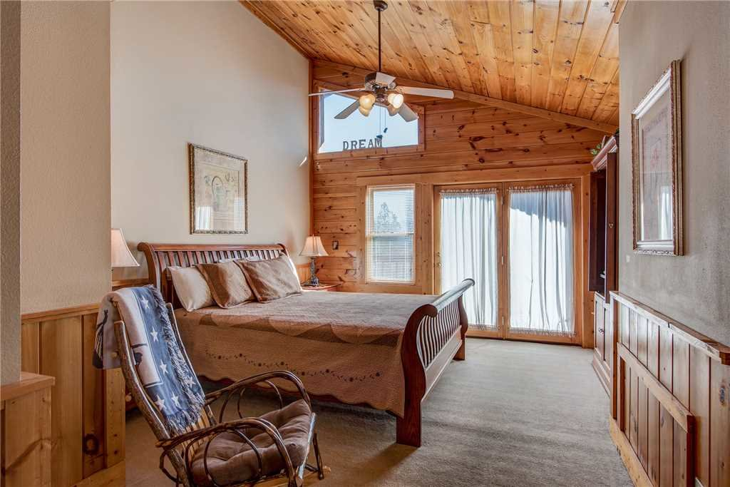Photo of a Pigeon Forge Cabin named Another Day Inn Bearadise - This is the eighth photo in the set.