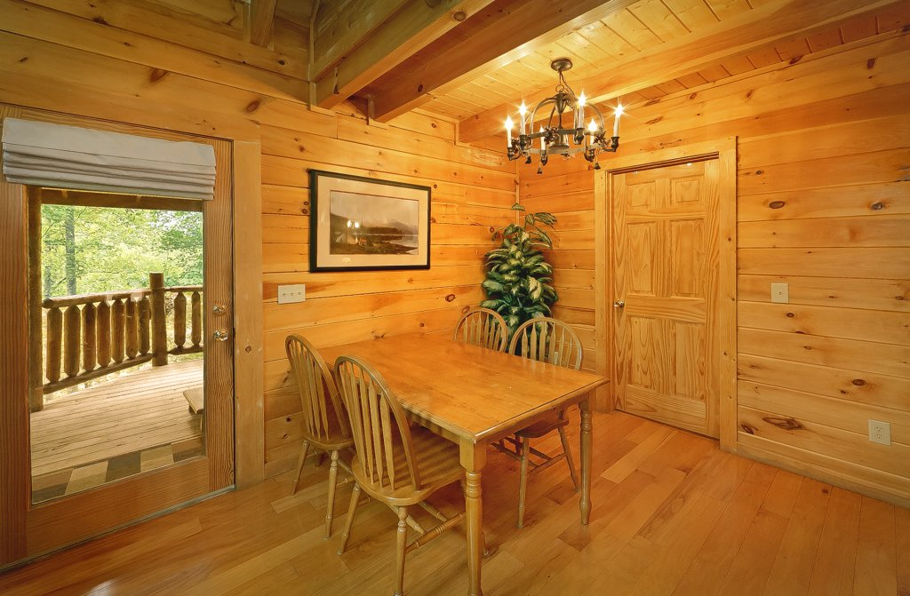 Photo of a Gatlinburg Cabin named The Treehouse #1708 - This is the twelfth photo in the set.