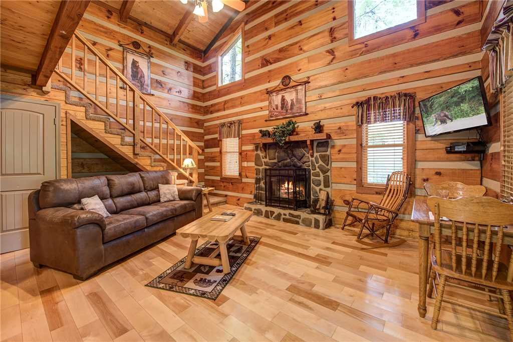 Photo of a Gatlinburg Cabin named Little Bear Hideaway - This is the third photo in the set.