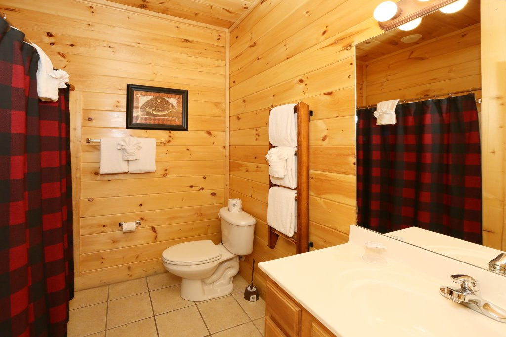 Photo of a Pigeon Forge Cabin named Take It Easy - This is the seventeenth photo in the set.