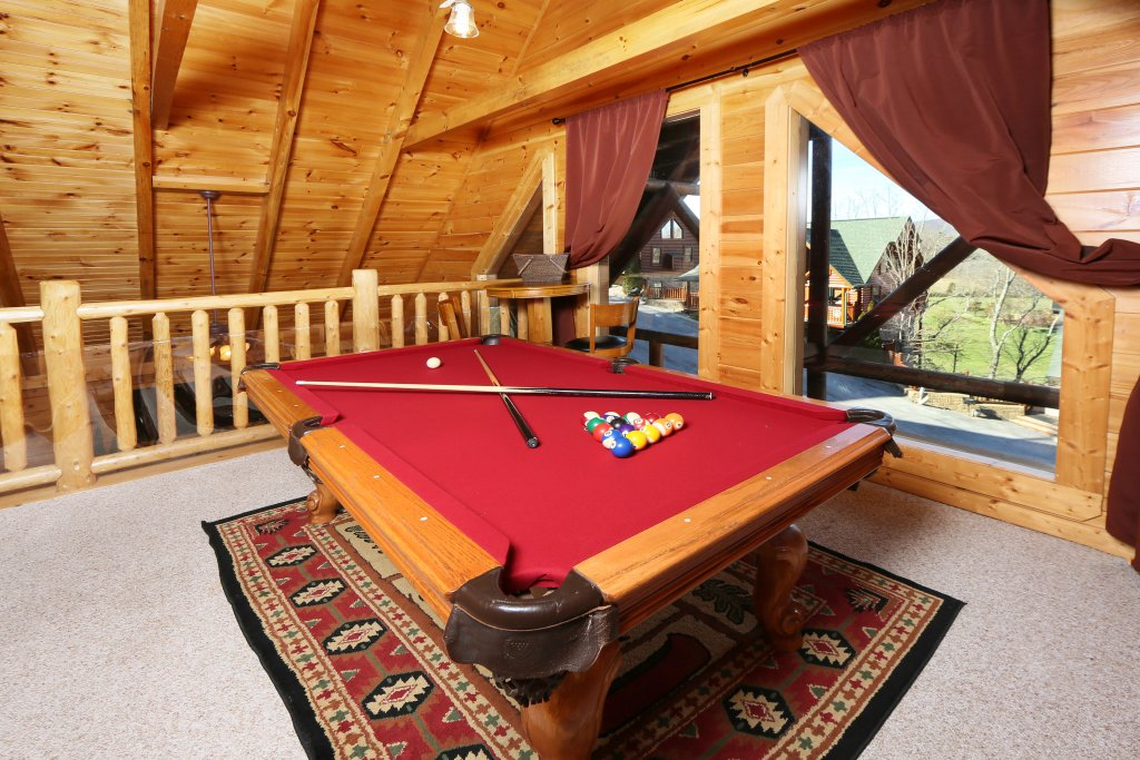 Photo of a Pigeon Forge Cabin named Take It Easy - This is the twenty-fourth photo in the set.