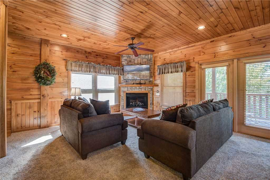 Photo of a Pigeon Forge Cabin named Alpine Nights - This is the first photo in the set.