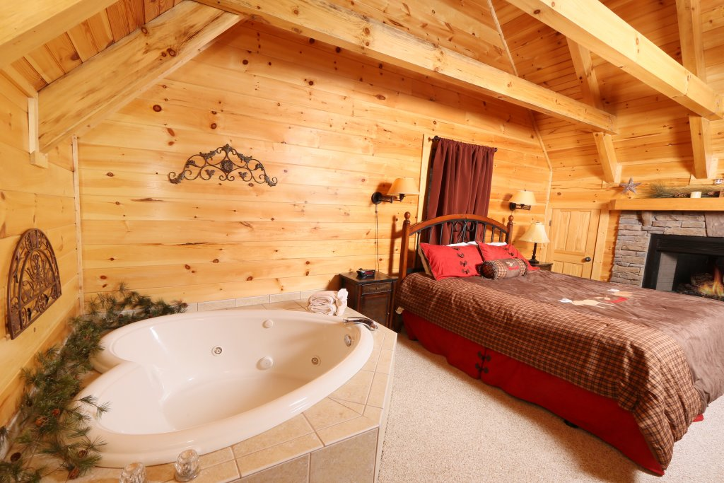 Photo of a Pigeon Forge Cabin named Take It Easy - This is the eleventh photo in the set.