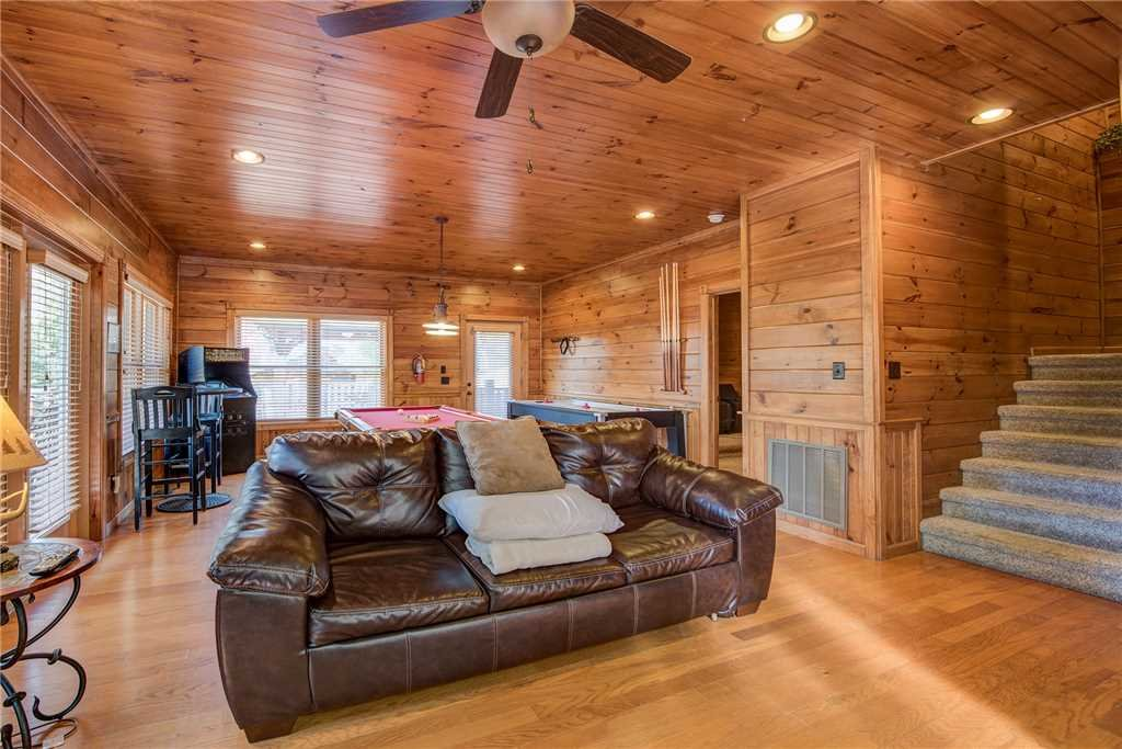 Photo of a Pigeon Forge Cabin named Alpine Nights - This is the twelfth photo in the set.