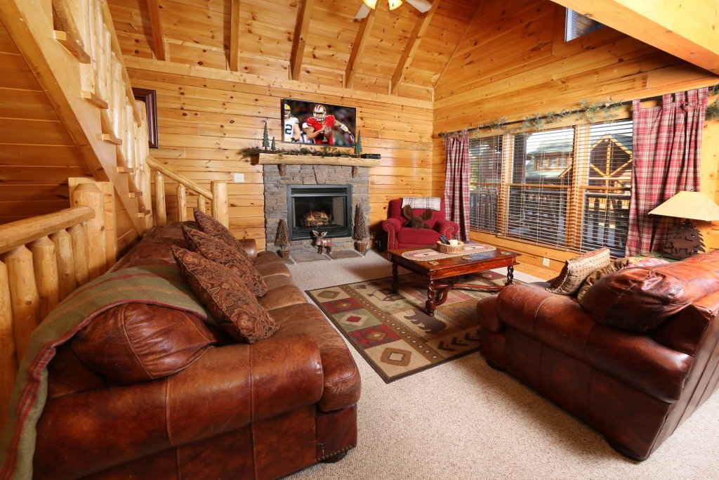 Photo of a Pigeon Forge Cabin named Take It Easy - This is the seventh photo in the set.