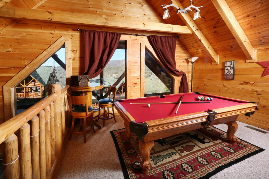 Photo of a Pigeon Forge Cabin named Take It Easy - This is the twenty-fifth photo in the set.