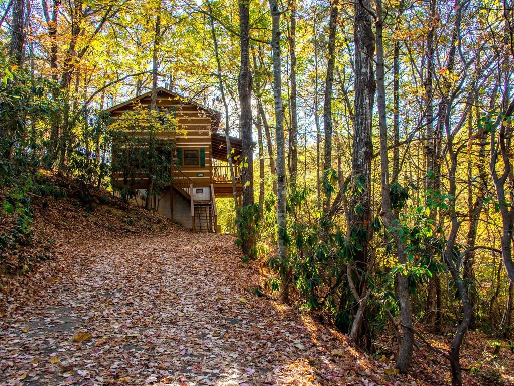 Photo of a Gatlinburg Cabin named Little Bear Hideaway - This is the fifteenth photo in the set.
