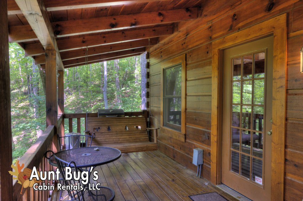Photo of a Pigeon Forge Cabin named Smoky Mountain Memories #107 - This is the seventeenth photo in the set.