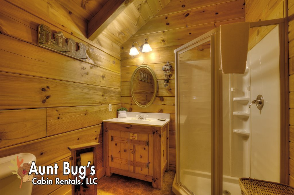 Photo of a Pigeon Forge Cabin named Smoky Mountain Memories #107 - This is the twenty-second photo in the set.