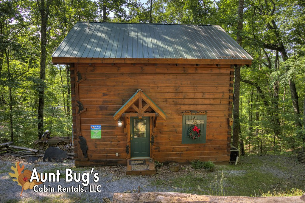 Photo of a Pigeon Forge Cabin named Smoky Mountain Memories #107 - This is the twenty-seventh photo in the set.