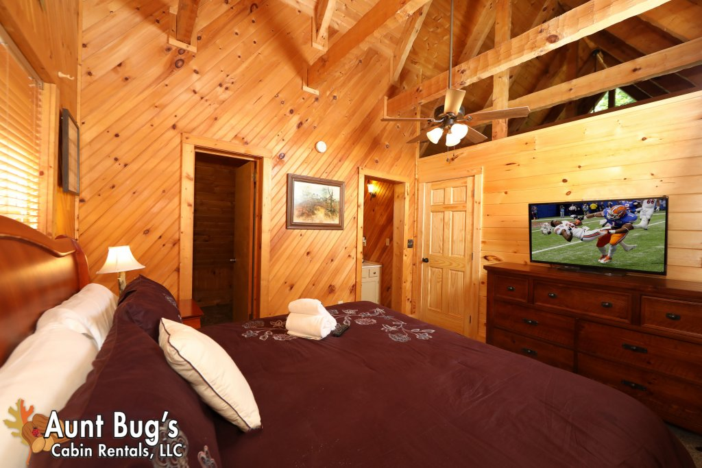 Photo of a Pigeon Forge Cabin named A Secluded Retreat #216 - This is the eleventh photo in the set.