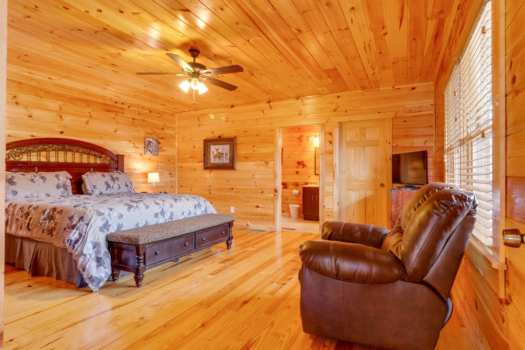 Photo of a Pigeon Forge Cabin named Beary Dee-lightful - This is the eleventh photo in the set.
