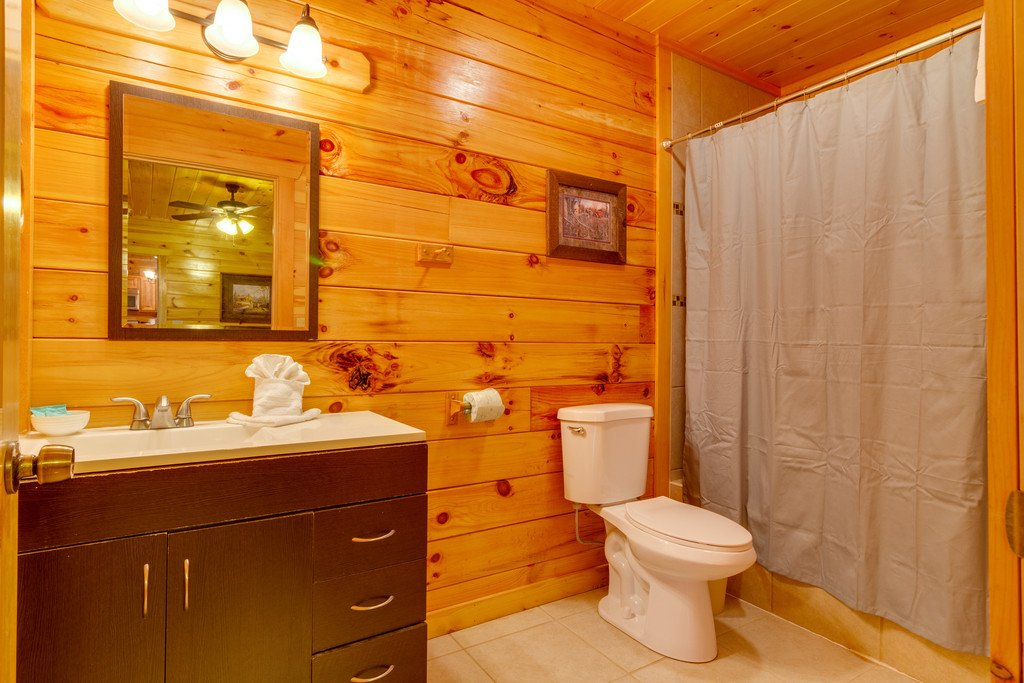 Photo of a Pigeon Forge Cabin named Beary Dee-lightful - This is the seventeenth photo in the set.
