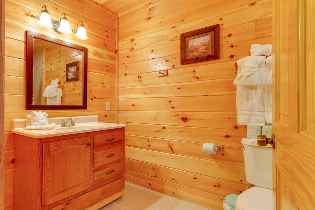 Photo of a Pigeon Forge Cabin named Beary Dee-lightful - This is the twenty-eighth photo in the set.