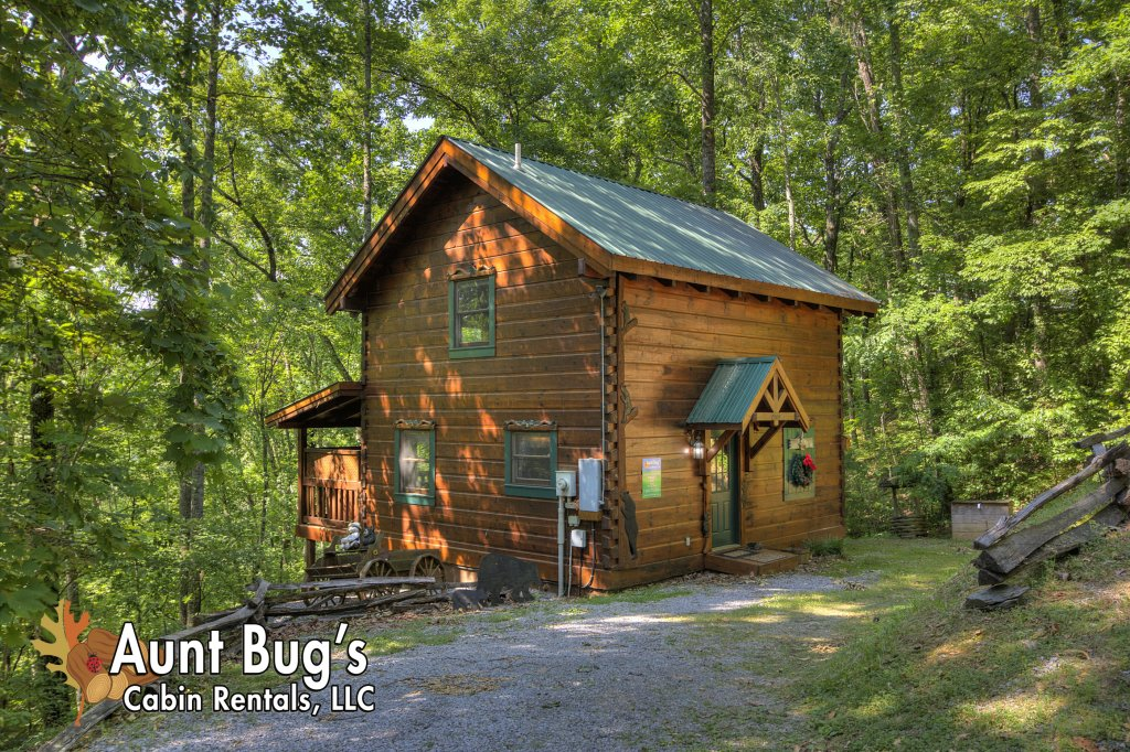 Photo of a Pigeon Forge Cabin named Smoky Mountain Memories #107 - This is the twenty-eighth photo in the set.