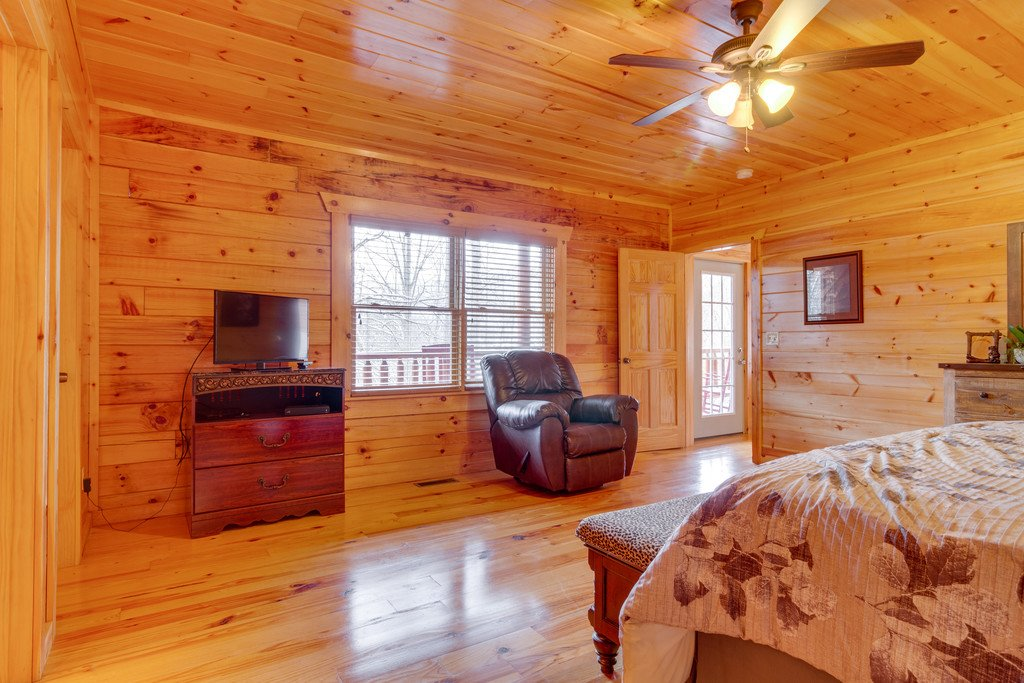 Photo of a Pigeon Forge Cabin named Beary Dee-lightful - This is the thirteenth photo in the set.