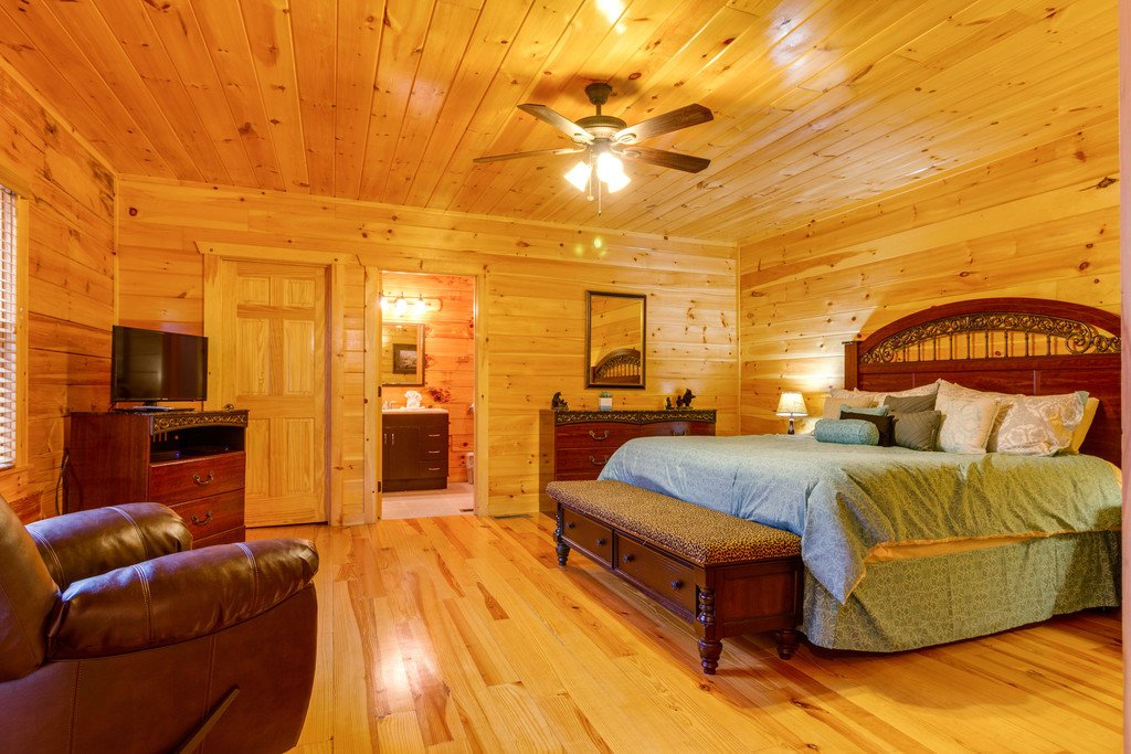 Photo of a Pigeon Forge Cabin named Beary Dee-lightful - This is the fifteenth photo in the set.