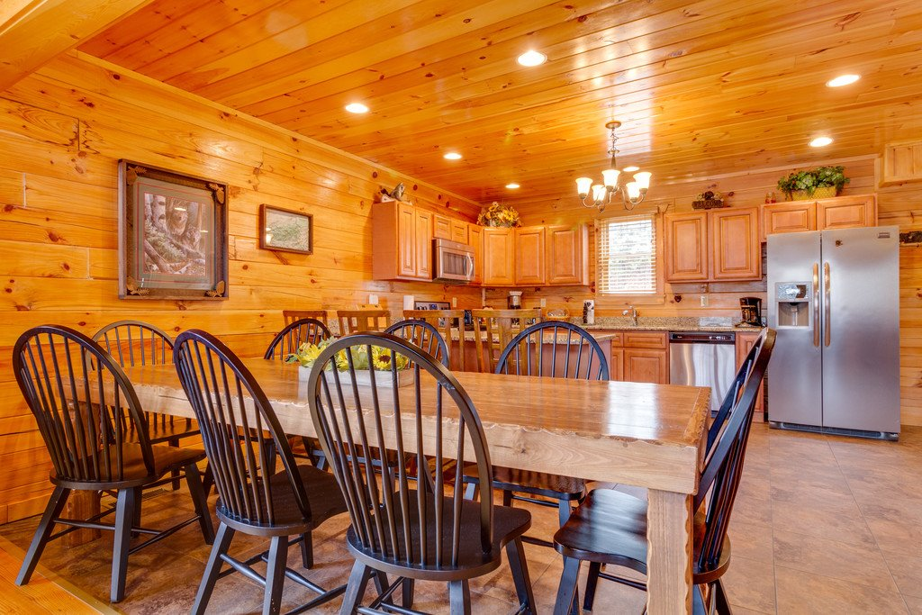 Photo of a Pigeon Forge Cabin named Beary Dee-lightful - This is the fifth photo in the set.