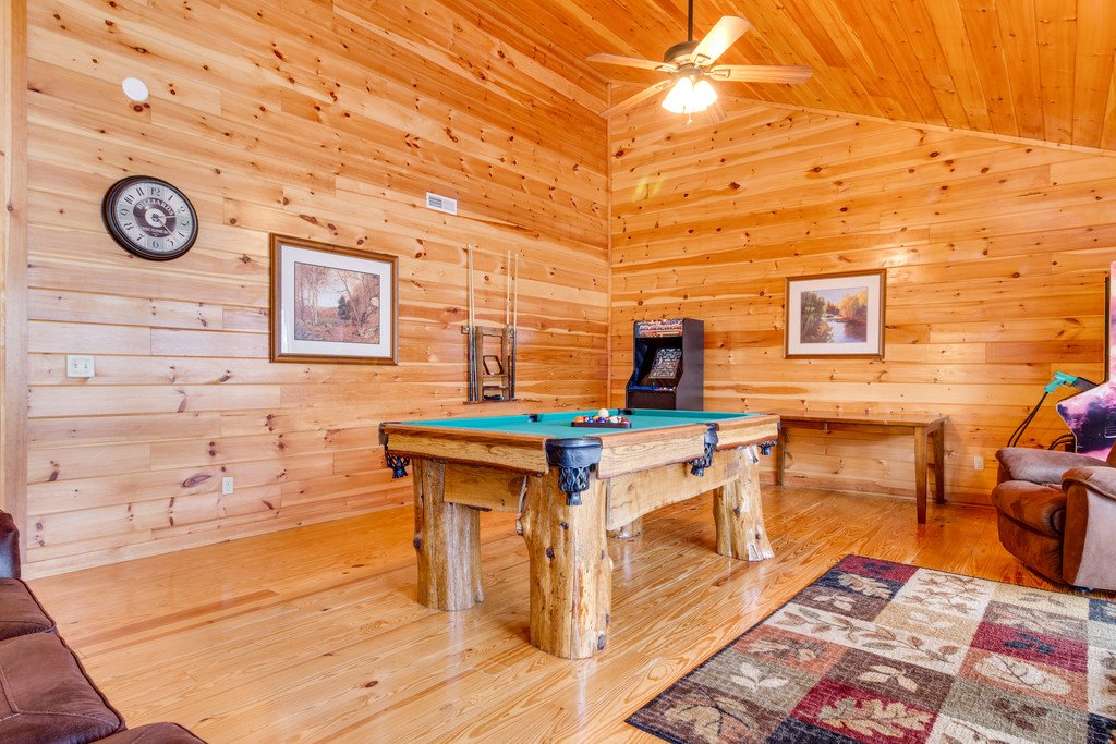 Photo of a Pigeon Forge Cabin named Beary Dee-lightful - This is the twenty-third photo in the set.