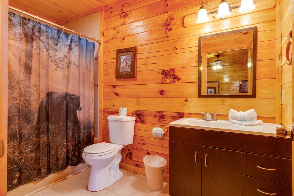 Photo of a Pigeon Forge Cabin named Beary Dee-lightful - This is the fourteenth photo in the set.