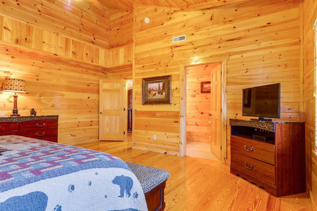 Photo of a Pigeon Forge Cabin named Beary Dee-lightful - This is the twenty-seventh photo in the set.