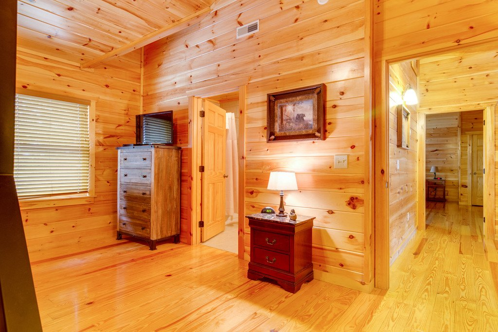 Photo of a Pigeon Forge Cabin named Beary Dee-lightful - This is the thirtieth photo in the set.