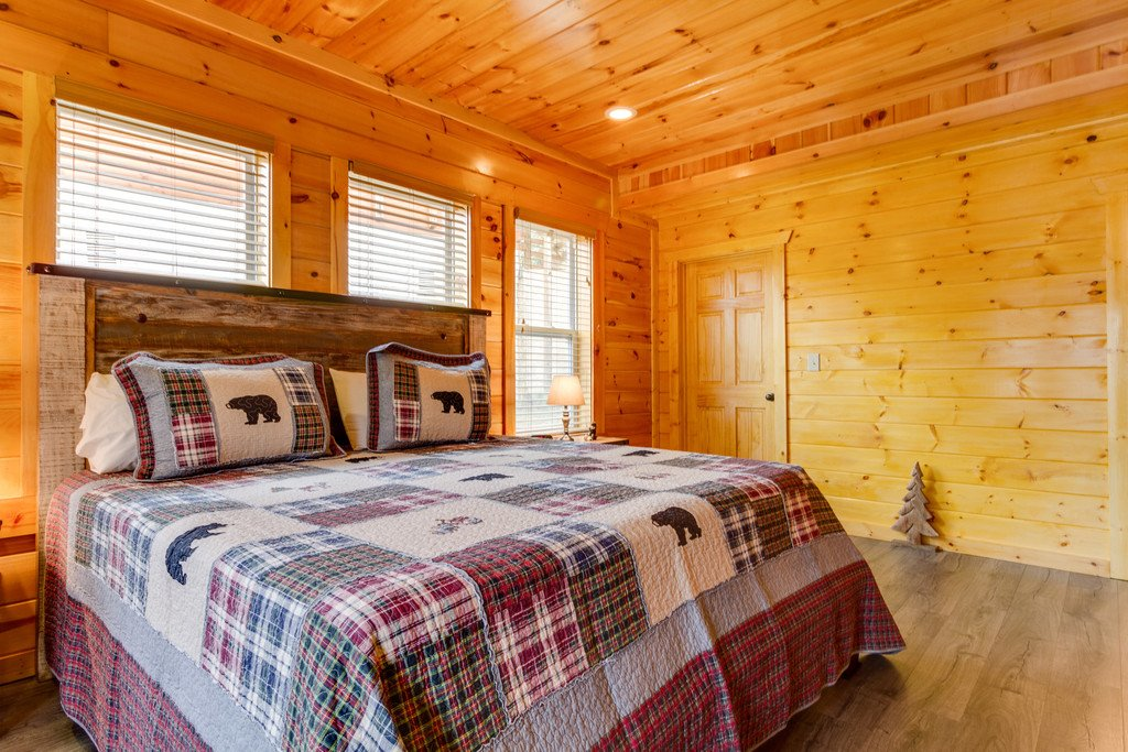 Photo of a Pigeon Forge Cabin named Beary Dee-lightful - This is the forty-fifth photo in the set.