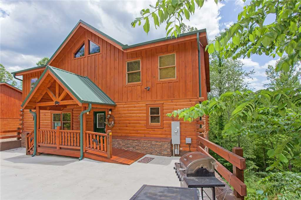 Photo of a Pigeon Forge Cabin named Beary Dee-lightful - This is the sixty-fourth photo in the set.