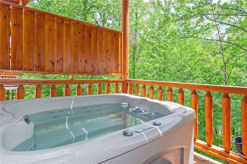 Photo of a Pigeon Forge Cabin named Beary Dee-lightful - This is the fifty-fourth photo in the set.