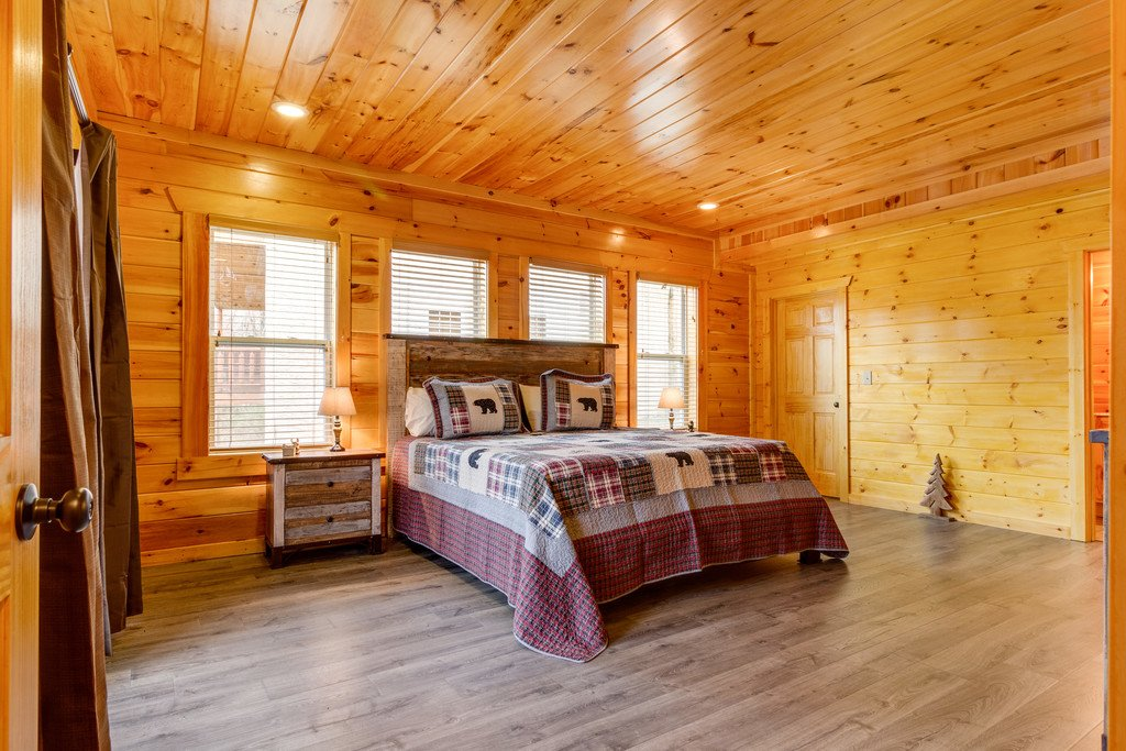 Photo of a Pigeon Forge Cabin named Beary Dee-lightful - This is the forty-fourth photo in the set.