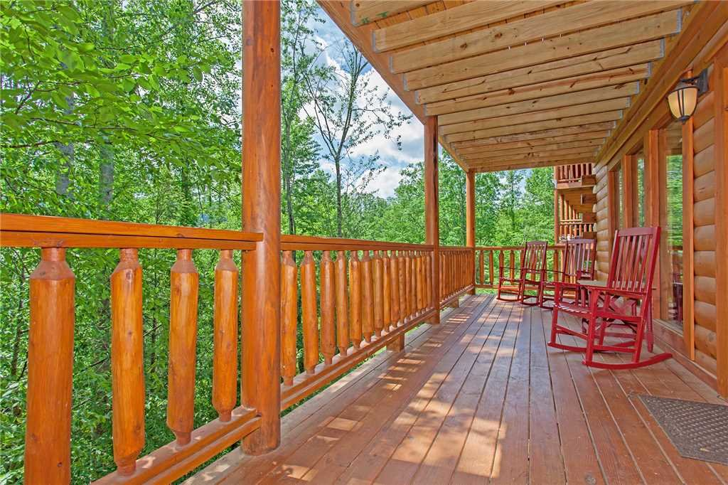 Photo of a Pigeon Forge Cabin named Beary Dee-lightful - This is the fifty-ninth photo in the set.