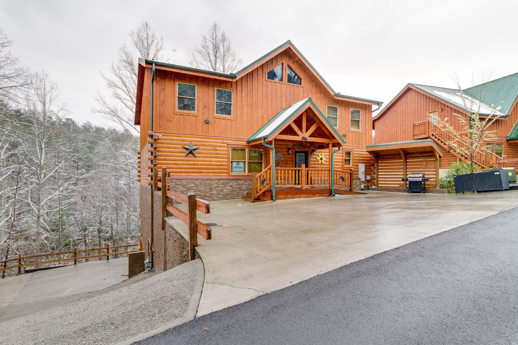 Photo of a Pigeon Forge Cabin named Beary Dee-lightful - This is the sixty-second photo in the set.