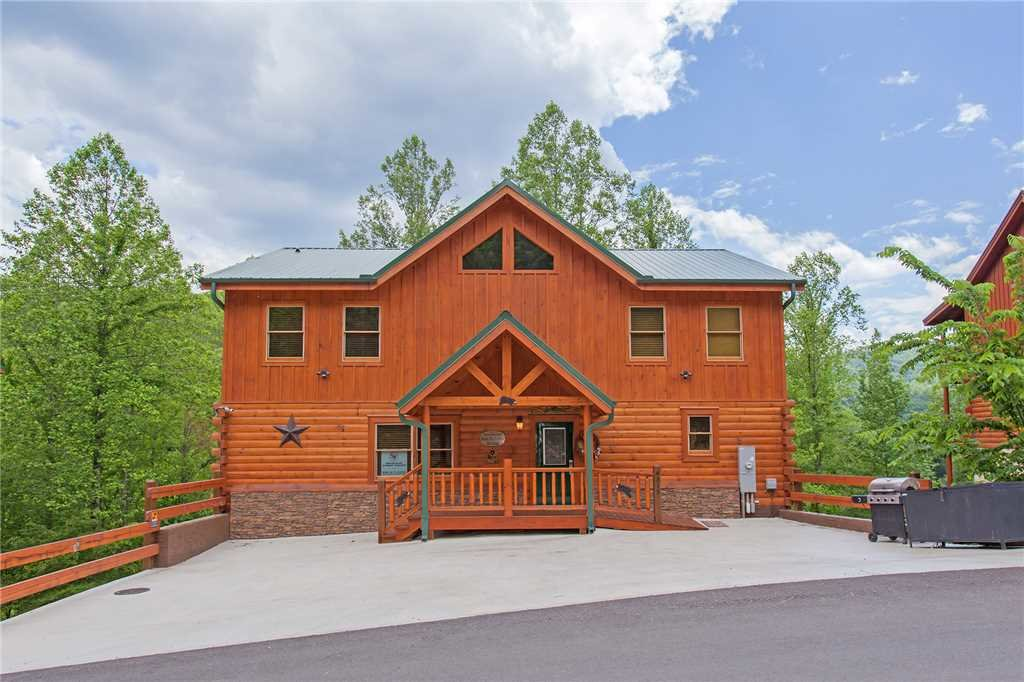 Photo of a Pigeon Forge Cabin named Beary Dee-lightful - This is the sixty-sixth photo in the set.