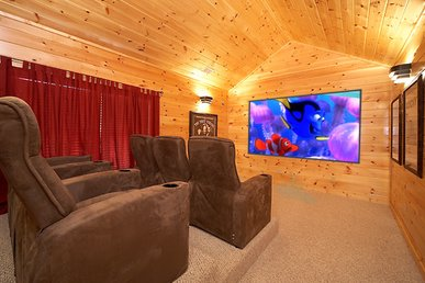 Escape to a Luxury Cabin with Private Theater Room - Arts and Crafts Location