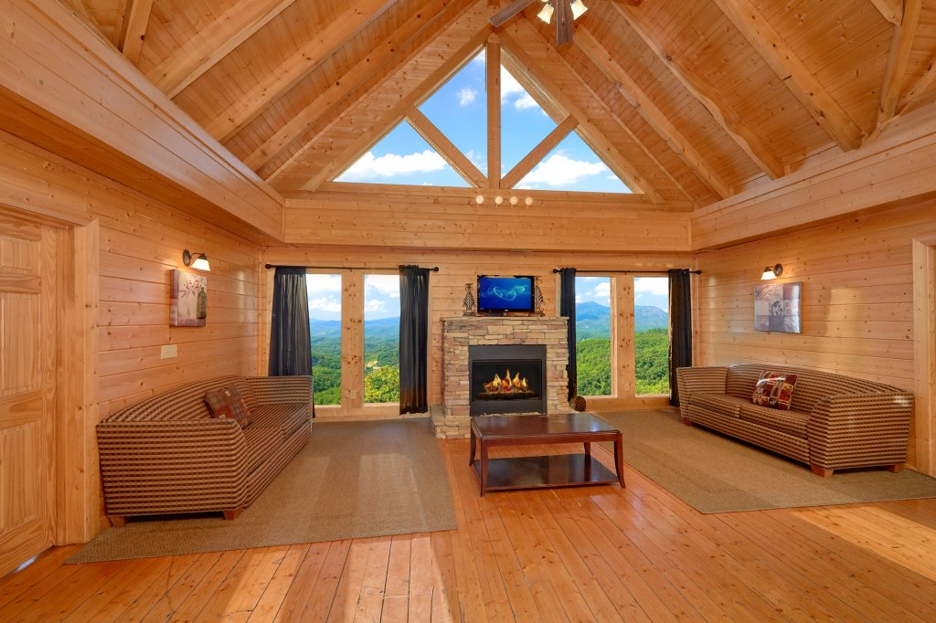 Photo of a Pigeon Forge Cabin named Home Theater Lodge - This is the forty-fourth photo in the set.