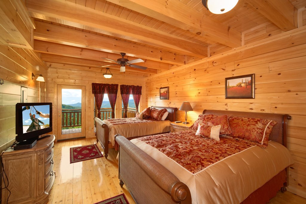 Photo of a Pigeon Forge Cabin named Home Theater Lodge - This is the fifty-eighth photo in the set.
