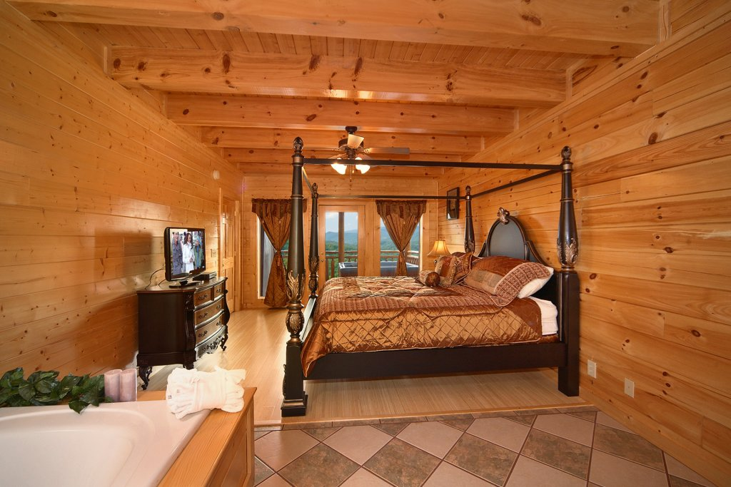 Photo of a Pigeon Forge Cabin named Home Theater Lodge - This is the fifty-seventh photo in the set.
