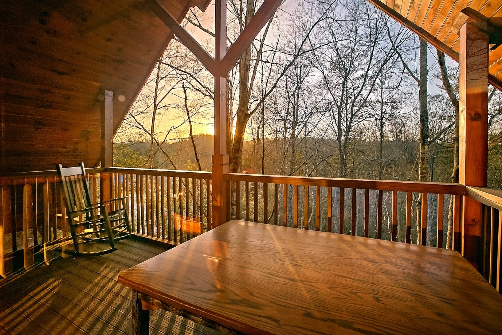 Photo of a Gatlinburg Cabin named Basswood Lodge - This is the fifth photo in the set.