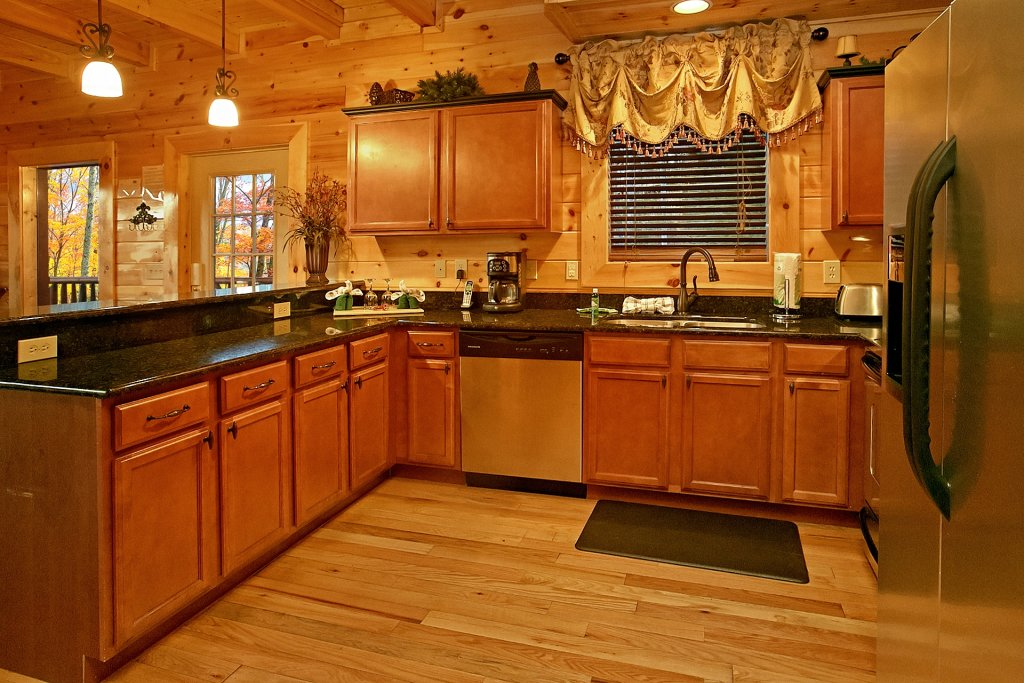 Photo of a Gatlinburg Cabin named Basswood Lodge - This is the sixteenth photo in the set.