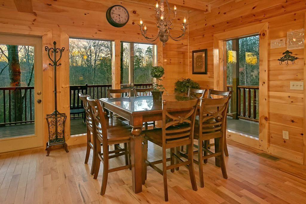 Photo of a Gatlinburg Cabin named Basswood Lodge - This is the fifteenth photo in the set.