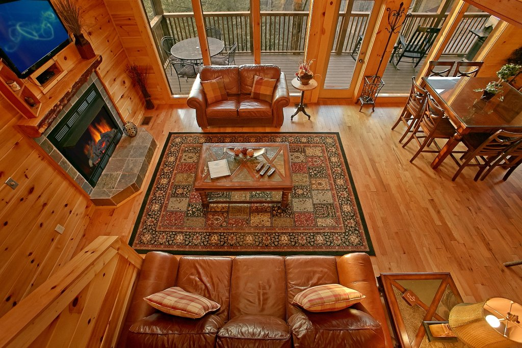 Photo of a Gatlinburg Cabin named Basswood Lodge - This is the tenth photo in the set.